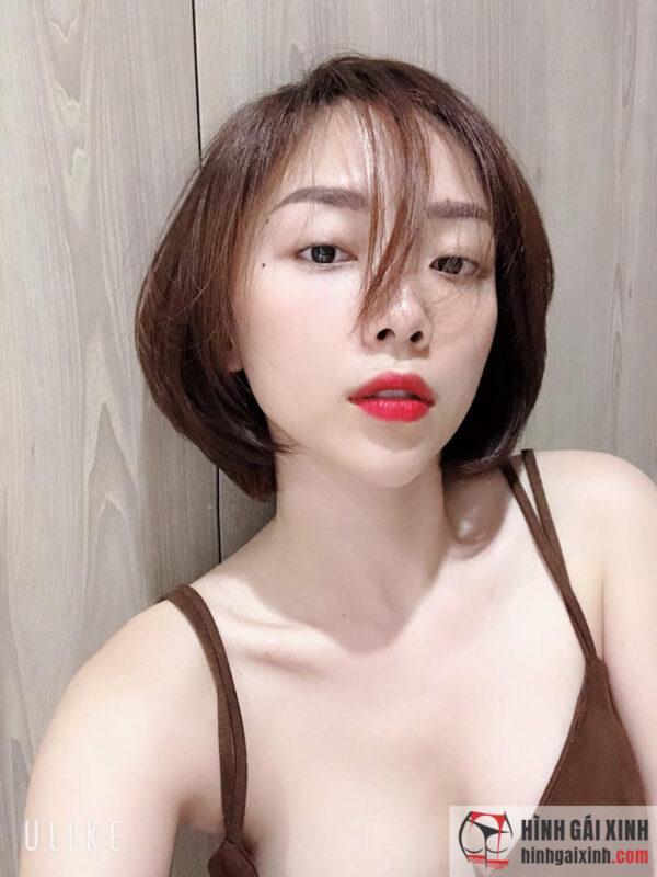 Ca sĩ Tóc Tiên nổi tiếng với mái tóc ngắn đặc trưng