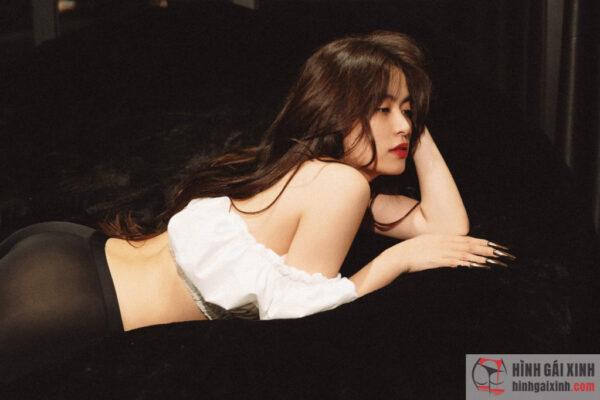 Nhan sắc và độ sexy của Hoàng Thùy Linh