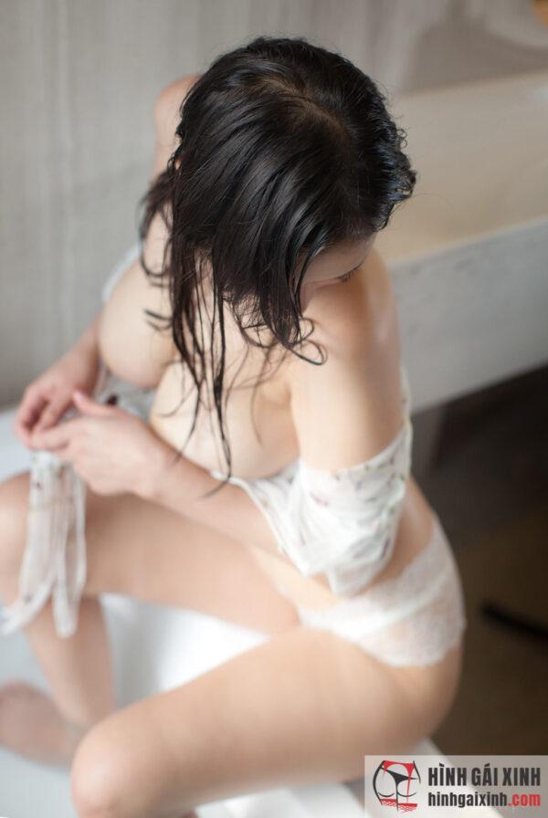 Bộ ảnh gái massage kiêu sa và quyến rũ